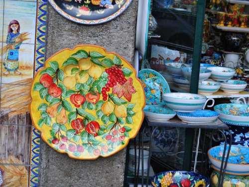 Scuola regionale di ceramica vietrese: la presentazione a Milano a Spazio Campania