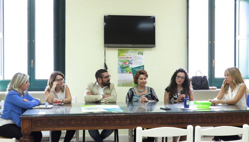 """Tutela ambientale a Fisciano: presentata l'iniziativa plastic free """"Lunchbox"""""""