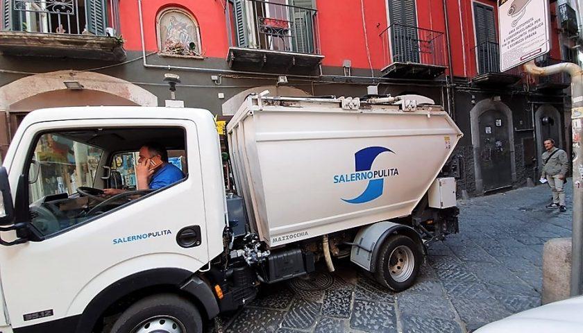 """Città sporca dopo la movida, la Fp Cgil: """"Rispetto per gli operatori della Salerno Pulita"""""""