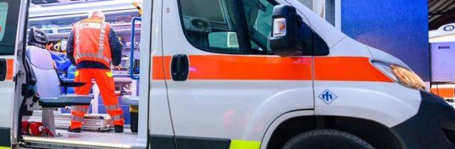 Si schianta con la moto contro un tir: 30enne in gravissime condizioni