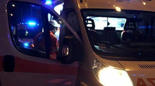 Auto finisce contro il guardrail a Roccadaspide, grave un 18enne