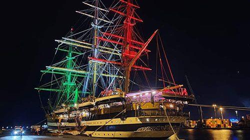 Riapre le vele la Amerigo Vespucci, era stata nel. Portò di Salerno a settembre
