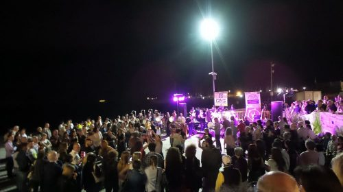 Suoni e festa sulla spiaggia di Santa Teresa: ecco la tammurriata per San Matteo