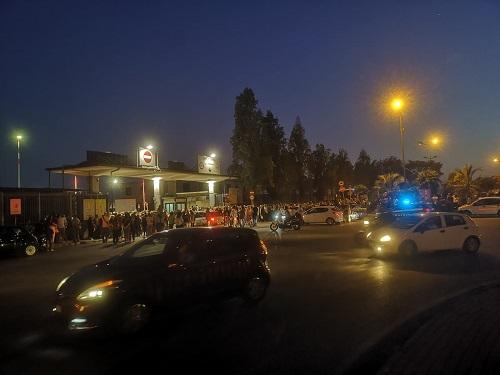 Tensione al Porto di Salerno per visita alla Vespucci: ressa e spintoni