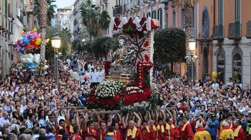 Variante Delta, in Campania stop alle processioni