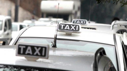 Licenza per taxi a Salerno, il Tar blocca la graduatoria