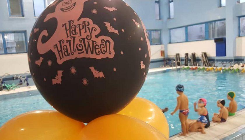 Cavasport, Halloween in piscina a Cava de'Tirreni