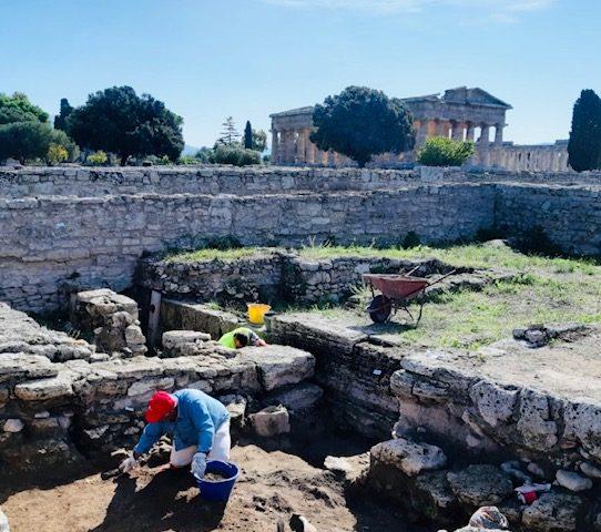 Paestum: riprendono gli scavi nel quartiere abitativo