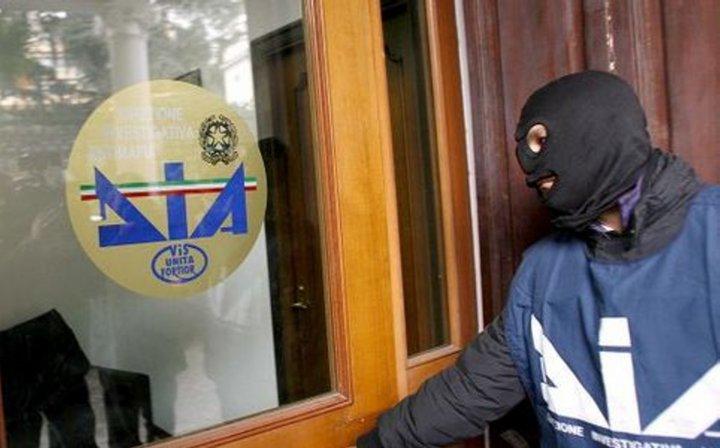 Estorsione e minacce nella Valle del Sele: due pregiudicati arrestati dalla DIA