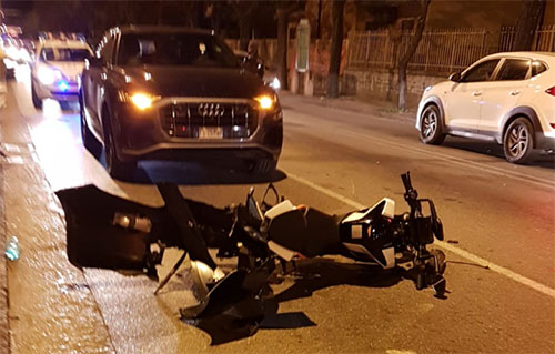 Salerno: incidente sul Lungomare Marconi, grave un centauro
