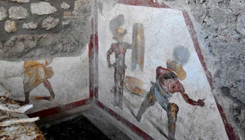 Pompei: scoperto affresco con combattimento due Gladiatori