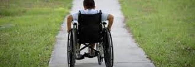 17enne con distrofia: il giudice impone all'Asl di riprendere le cure