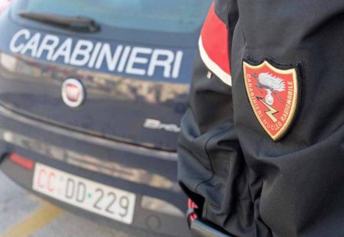 Coronavirus: raffiche di controlli, multe e chiusure di negozi da parte dei Carabinieri