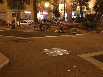 Degrado in piazza San Francesco, residenti sul piede di guerra