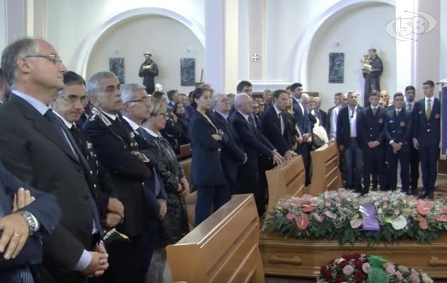 Funerali mamma De Luca: presente tanta gente, anche il Calcio Napoli e la Salernitana
