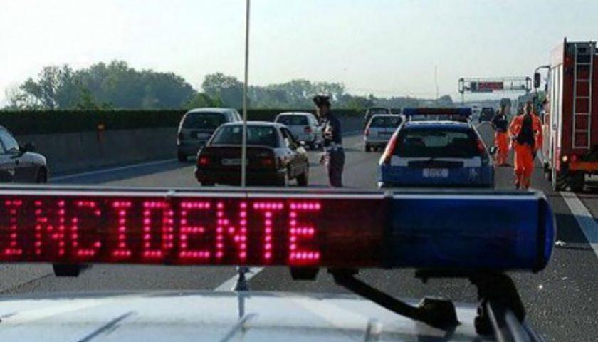 Incidente sull'Aversana, sei persone ferite: tre sono in gravi condizioni
