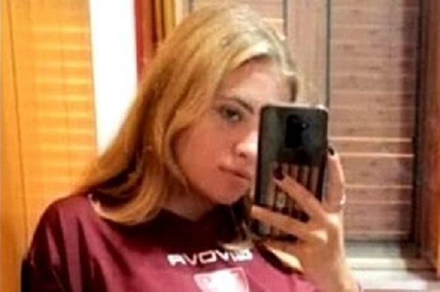 Melissa, morta a scuola a 16 anni: «Accanto a te fino all'ultimo respiro»