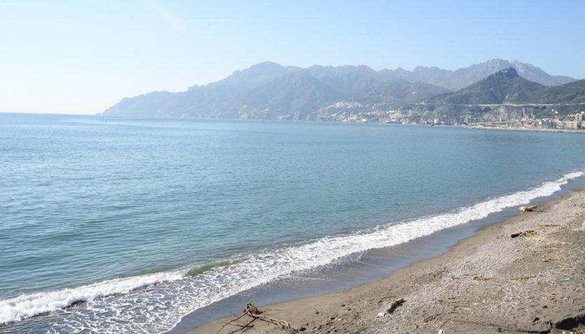 Salerno: donna si denuda, si getta in mare e rifiuta i soccorsi