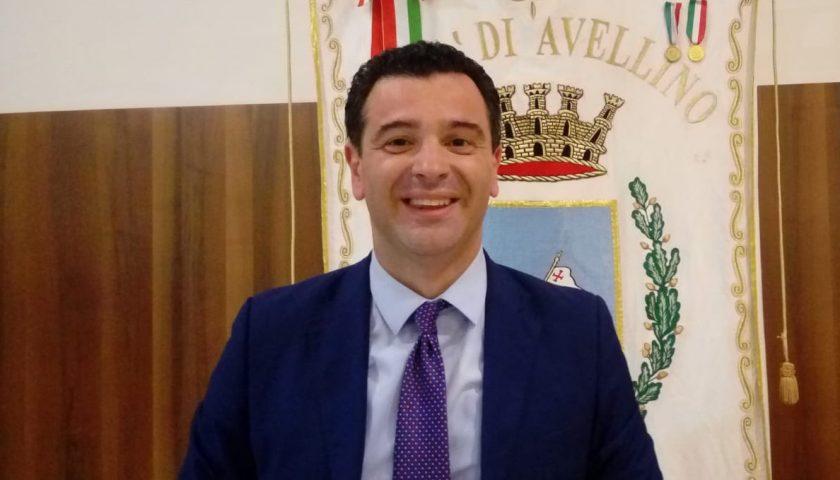 """""""A Natale oscureremo Salerno"""": il sindaco di Avellino lancia la sfida"""