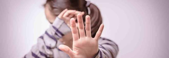 Abusi sulla nipotina e spaccio ai minori: zio orco a processo