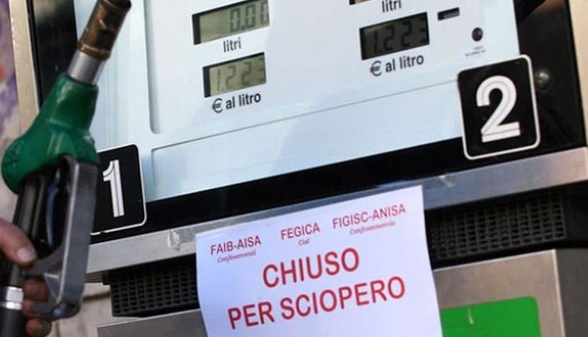 Confermato lo sciopero dei benzinai per il 6 ed il 7 novembre
