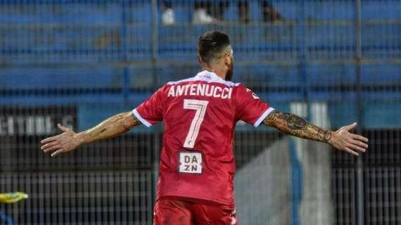 Antenucci lancia il Bari, prima sconfitta interna per la Paganese