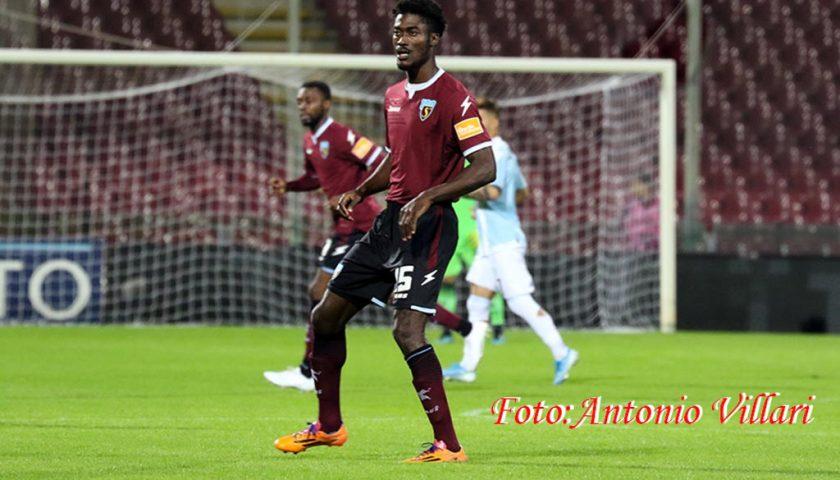 Prova d'orgoglio della Salernitana, in dieci per tutto il match vince il derby contro la Juve Stabia