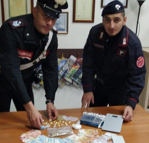 Controlli dei Carabinieri a Salerno, 1 arresto per detenzione ai fini di spaccio  di sostanze stupefacenti