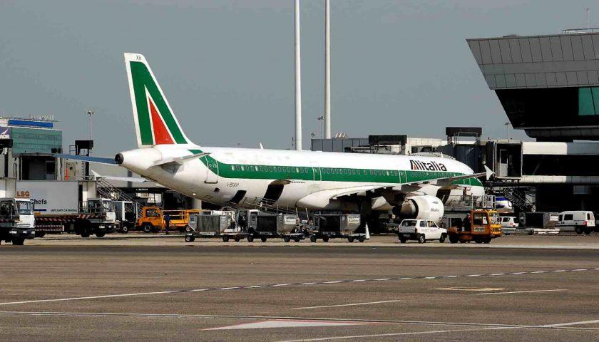 Capodichino festeggia i 10 milioni di passeggeri, il governatore De Luca esalta il risultato aspettando il rilancio di Salerno