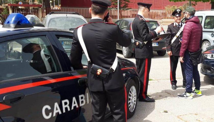 Blitz dei Carabinieri contro i parcheggiatori abusivi, 5 persone nei guai