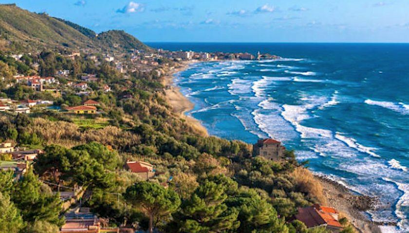 """Il Wwf: """"La Regione Campania non faccia più gestire spiagge ai Comuni""""."""