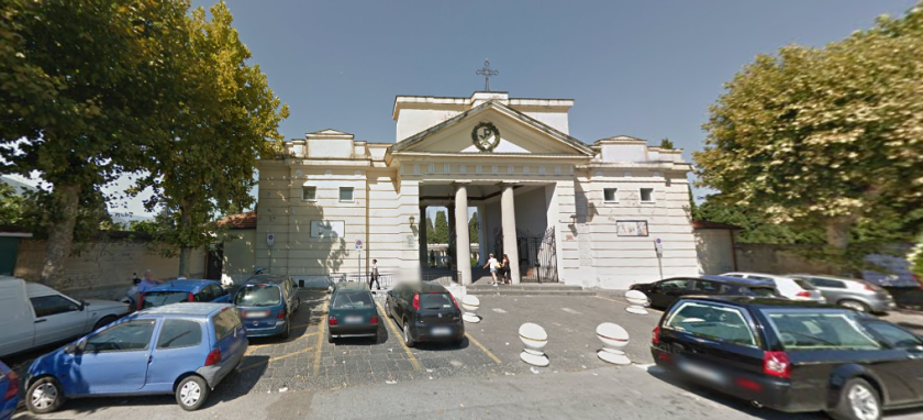 Zona rossa, a Pagani il sindaco chiude il cimitero da domani al 27 dicembre e per gli inizi di gennaio