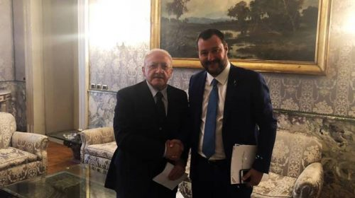 """Chiusure alle 23, De Luca: """"Salvini rivendica la scelta come sua ma ha sfondato una porta aperta"""""""