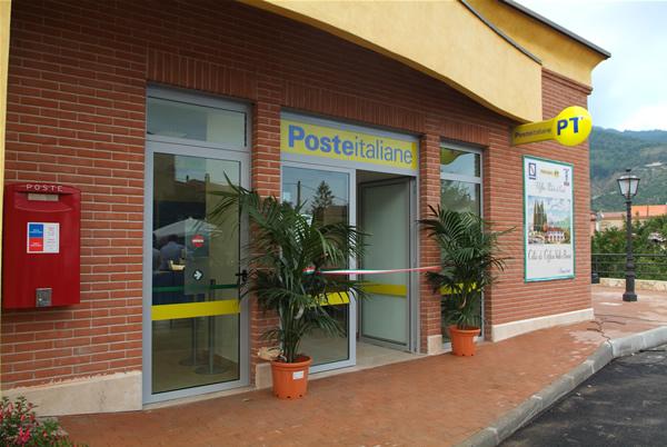 A Cava de' Tirreni parte la sanificazione di Poste e Banche