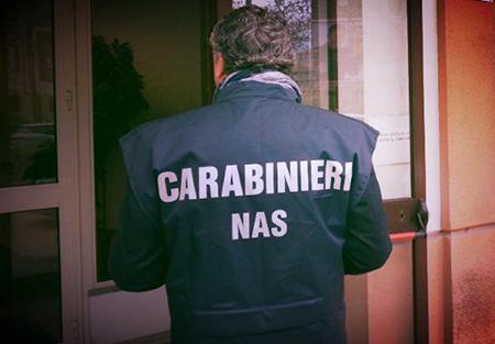 Pranzi e cene di fine anno, maxi sequestro e chiusure di negozi a Salerno e provincia