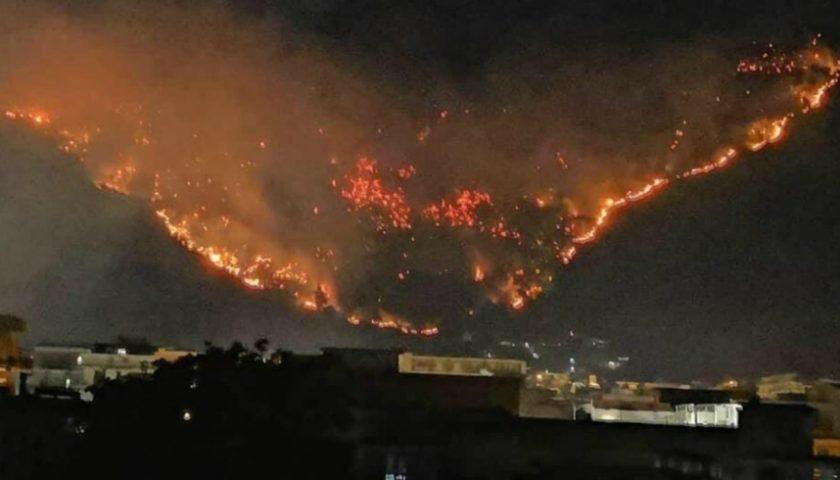 Sarno, incendio del monte Saretto: scagionato uno dei minorenni coinvolti