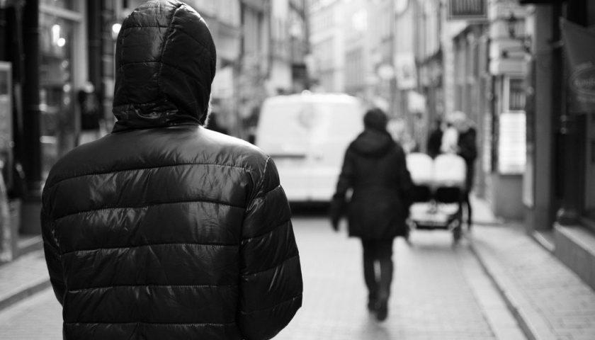 """""""Seguita in strada da un pervertito"""". Denuncia di una 19enne di Battipaglia che si appella alla sindaca Francese"""