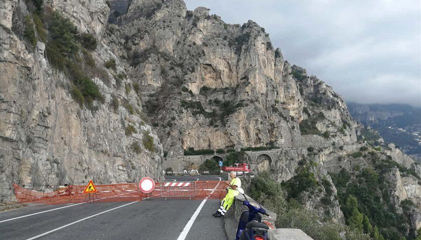 Costiera Amalfitana: statale 163 chiusa a Positano per caduta massi