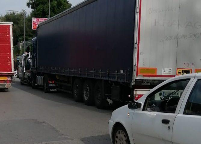 Roccapiemonte: malore ad un autista bulgaro, tempestivo l'intervento della Polizia Locale
