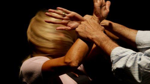 Accecato dalla gelosia, picchia la moglie: nei guai marito violento di Cava de' Tirreni