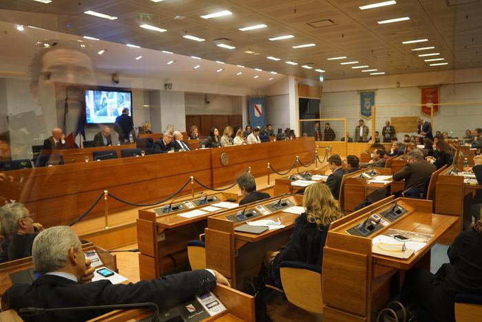 Regione Campania, sì al bilancio in Consiglio regionale