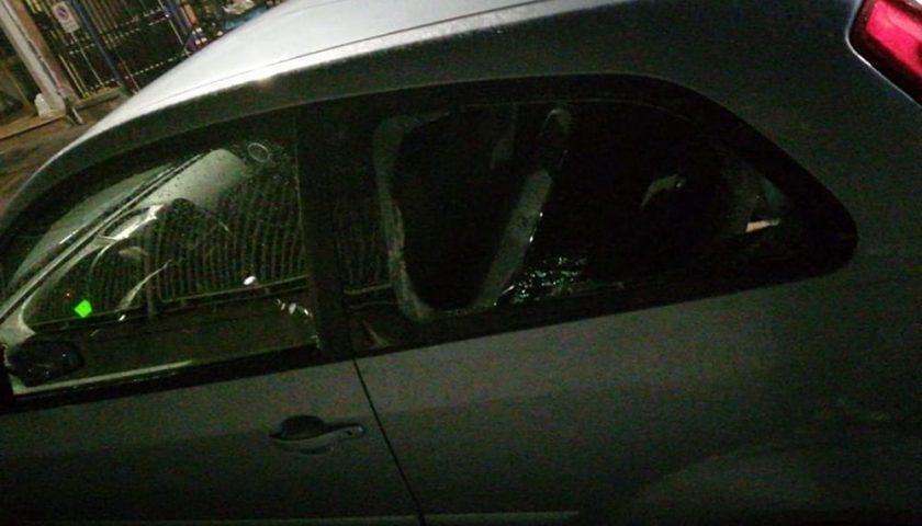 Battipaglia, altro raid contro auto in sosta: danneggiate 10 macchine