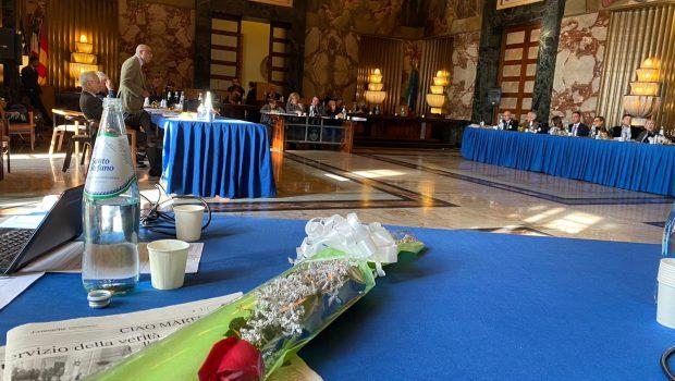 Consiglio comunale, rosa rossa per Marta Naddei: a lei l'intitolazione dell'aula delle commissioni consiliari