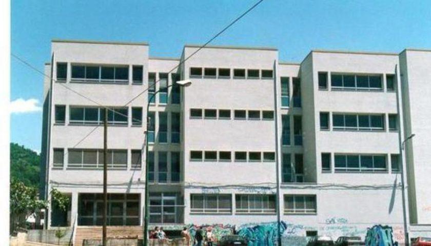 Emergenza aule nelle scuole di Salerno, al De Sanctis arriva l'ora del turnover