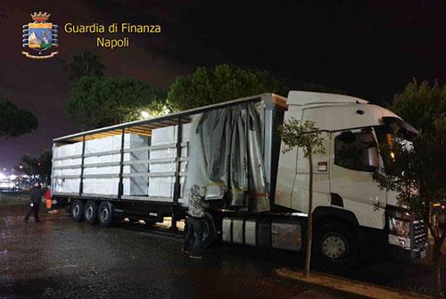 Sequestrate a Mercato San Severino 8 tonnellate di sigarette di contrabbando