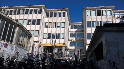 """Ecco il numero di studenti contagiati nelle scuole di Salerno e provincia per plesso, il coordinamento CdI: """"Appena 19 su quasi 30mila persone"""""""
