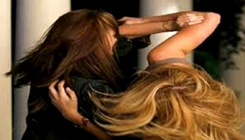 Insulti, schiaffi e pugni tra donne a Montecorvino Pugliano: coinvolto un esponente politico salernitano