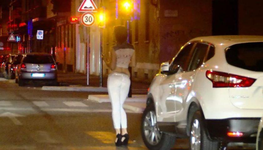 """Estorsione alla prostituta: """"I soldi altrimenti qui non lavori"""". Nei guai un nocerino"""