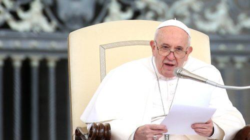 """Papa Francesco ricorda il sisma dell'ottanta: """"Ferite anche materiali non sono ancora del tutto rimarginate"""""""