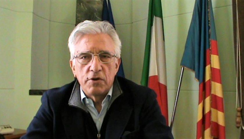 Come evitare i controlli per il coronavirus, il sindaco di Salerno denuncia l'autore del post su fb